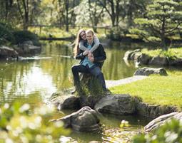 outdoor-fotoshooting-meerbusch-paar-am-wasser