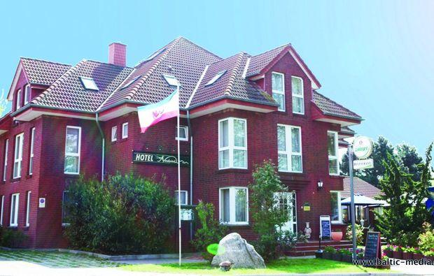 kurzurlaub-am-meer-lohme-hotel