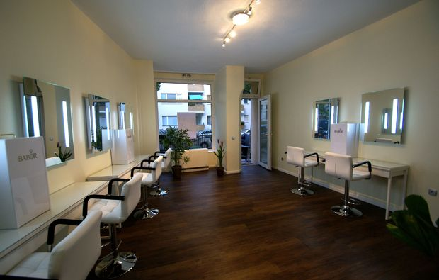 naturkosmetik-behandlung-grossbeeren-bei-berlin-salon