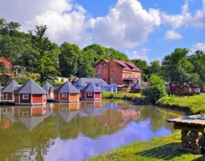 Kurzurlaub im Hüttendorf - 2 ÜN - Eberstedt Hotel Die Mühle - Grillpaket