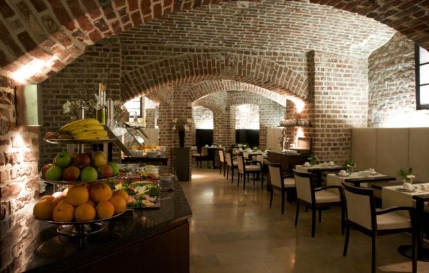 staedtereise-duesseldorf-weinkeller-restaurant