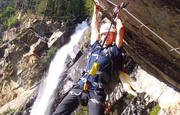 klettersteig-in-sautens-klettern
