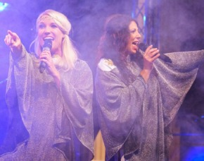 ABBA Royal – The Tribute Dinnershow - 79 Euro (84€) - DORMERO Hotel Halle - Halle (Saale) DORMERO Hotel Halle - 4-Gänge-Menü
