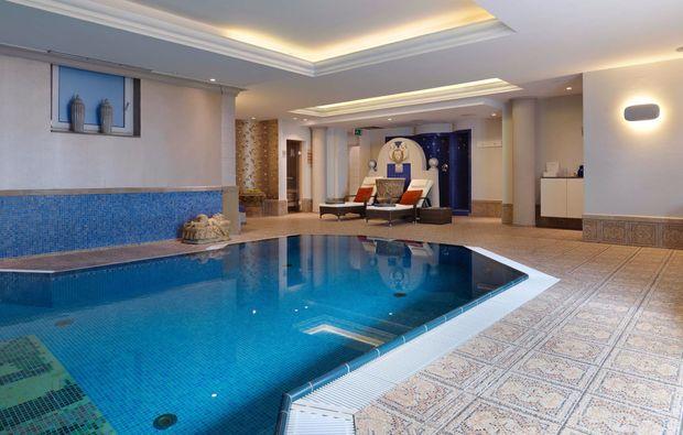 wellness-wochenende-deluxe-harsewinkel-pool