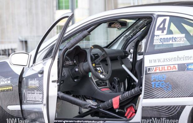 rennwagen-selber-fahren-hockenheim-cockpit