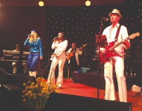 ABBA Royal – The Tribute Dinnershow - 79 Euro - Hotel Schloss Edesheim - Edesheim Hotel Schloss Edesheim - 4-Gänge-Menü