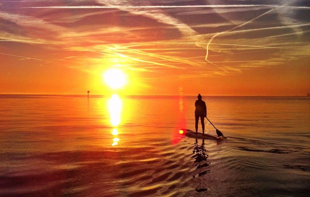 stand-up-paddling-sun-wasserburg