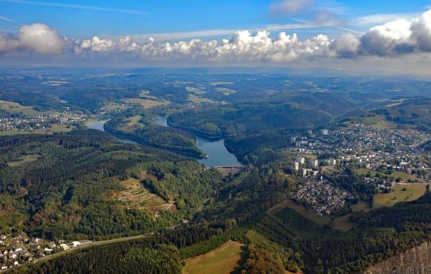 tragschrauber-fliegen-wuerselen-panorama
