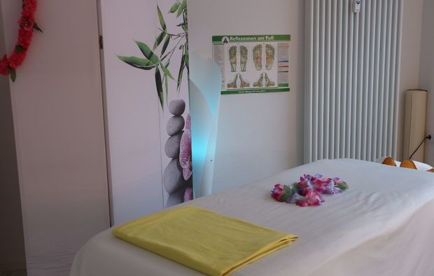 aromaoelmassage-bad-salzdefurth-liege