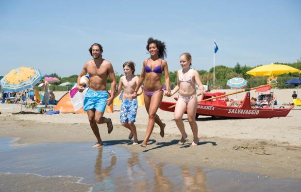 kurzurlaub-familie-ostia-antica-ferien