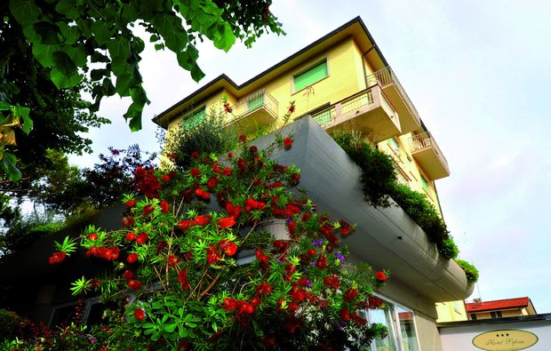 kurzurlaub-am-meer-lido-di-camaiore-lu-hotel