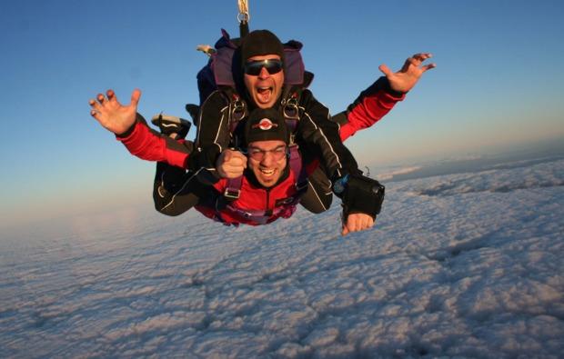 fallschirm-tandemsprung-neusitz-fall