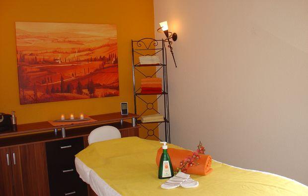 pedikuere-kappelrodeck-massageliege