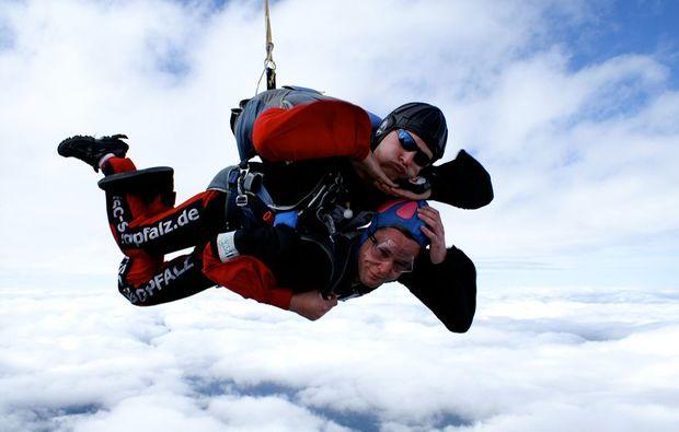 noetsch-fallschirm-tandemsprung