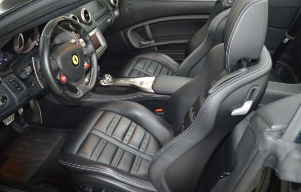 ferrari-california-fahren-duisburg-cockpit