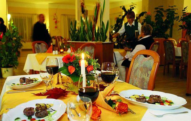 kurzurlaub-schoeneberg-dinner