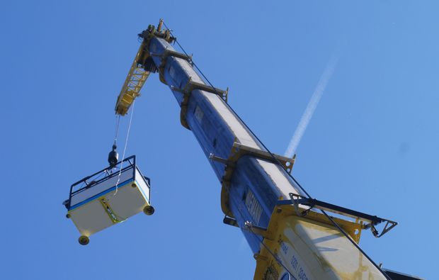 bungee-jumping-duesseldorf-kran