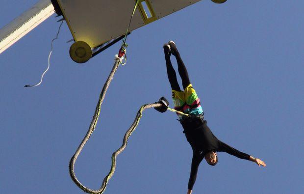 bungee-jumping-duesseldorf-springen