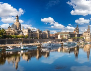 Dresden_GYG Schiffsrundfahrt+Candle-Light-Dinner Schiffsrundfahrt auf der Elbe und Candle-Light-Dinner