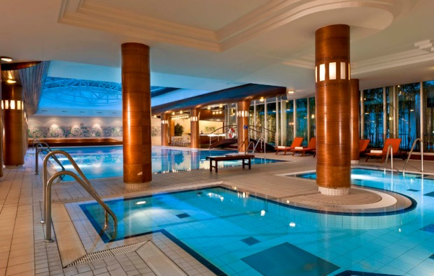 wellness-wochenende-radebeul-pool
