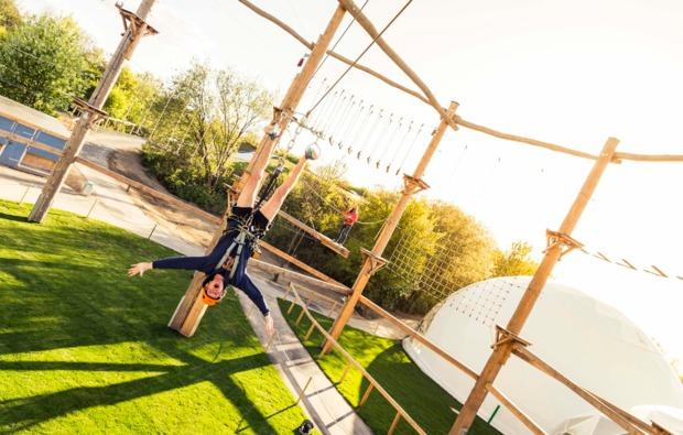 hochseilgarten-kletterparcours-hildesheim-haengen