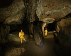 Höhlentrekking Montrond-le-Chà...