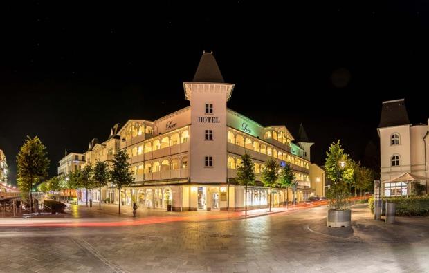 kurzurlaub-am-meer-ostseebad-binz-hotel-nacht