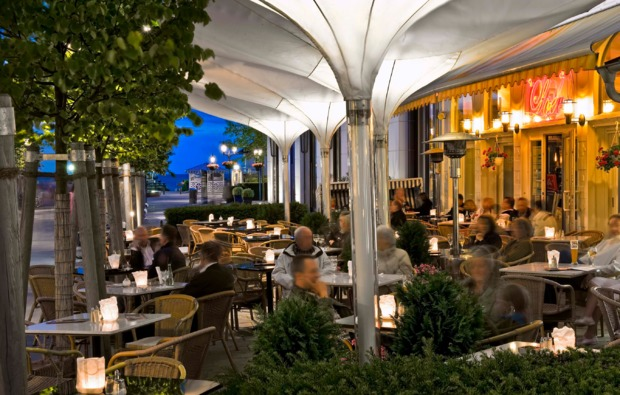 kurzurlaub-am-meer-ostseebad-binz-terrasse