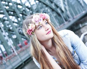 Mobiles Fotoshooting inkl. Make-Up, 3 Prints & 3 Bilder digital, ca. 1 Stunde