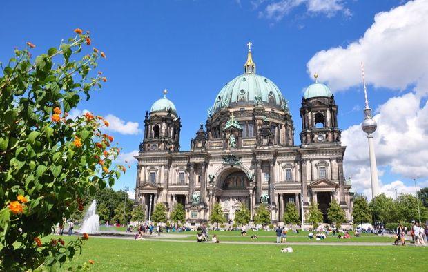 aussergewoehnliche-stadtrundfahrt-berlin-buildnig