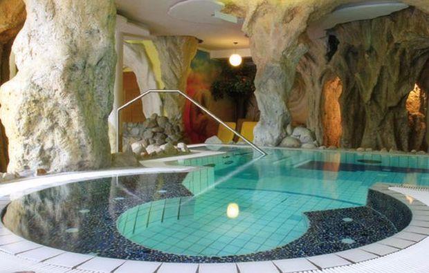 kuschelwochenende-kukmirn-pool