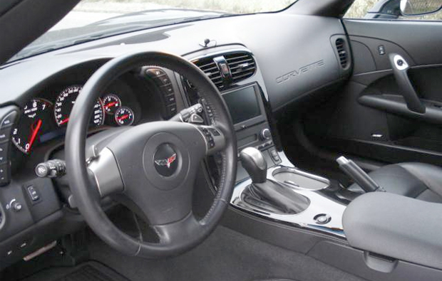 corvette-z05-cockpit