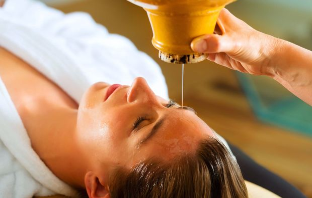 ayurveda-massage-waren-mueritz-oelmassage