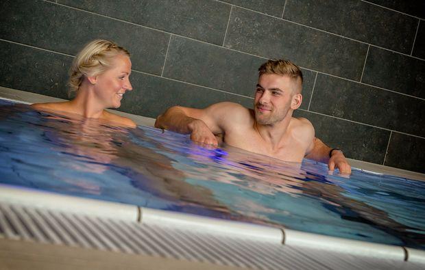 ayurveda-massage-waren-mueritz-schwimmbad