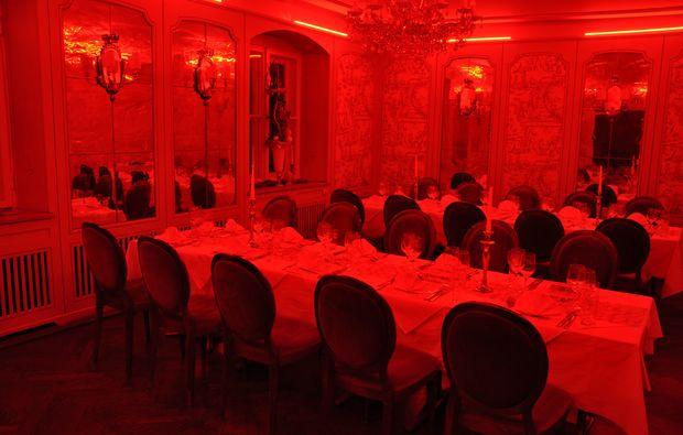 erlebnisrestaurant-muenchen-dinner-farben-sinnesrausch