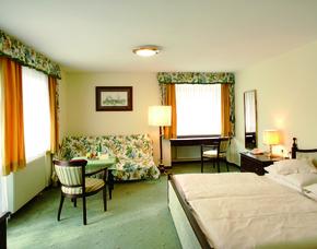 2x2 Übernachtungen inkl. Erlebnis - Hotel Carinthia - Bad Hofgastein Hotel Carinthia - Bad in der Radon-Thermalwanne