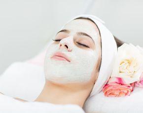 Gesichtsbehandlung Rückenmassage - 90 Minuten