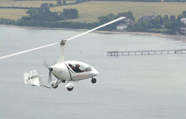 tragschrauber-rundflug-winningen-action