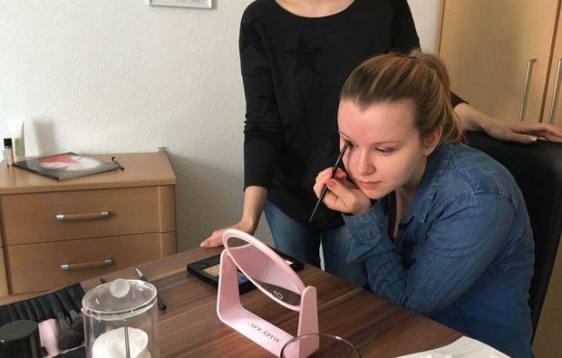 gruppen-make-up-beratung-hamburg-lid-schminken