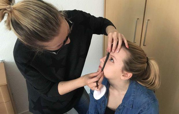 gruppen-make-up-beratung-hamburg-schminkberatung