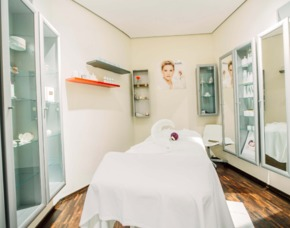 Spa & Wellness - Oasen (deluxe) Heaven Spa Spa-Tageskarte Heaven Spa, Aromamassage - 1 Tag