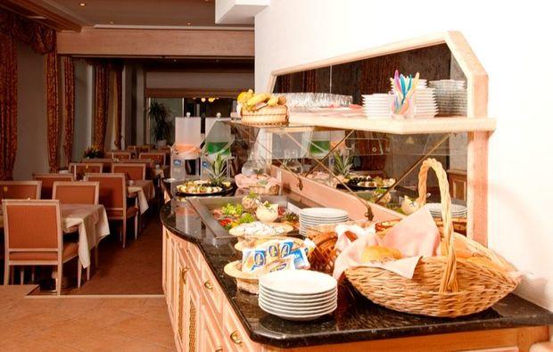 staedtetrips-meissen-buffet-fruehstueck