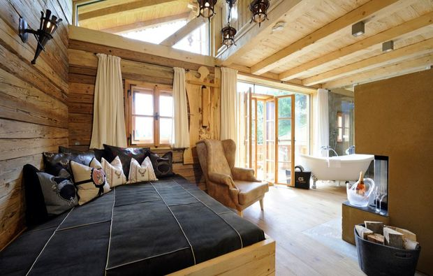 luxushotel das goldberg spa chalet in bad hofgastein als geschenk mydays. Black Bedroom Furniture Sets. Home Design Ideas