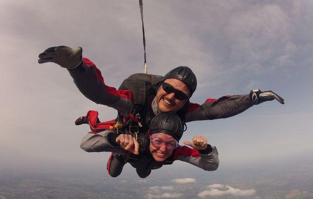 fallschirm-tandemsprung-schlierstadt-adrenalin