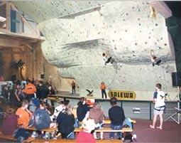 Kletterausrüstung Dresden : Klettern für einsteiger indoorklettern in dresden raum