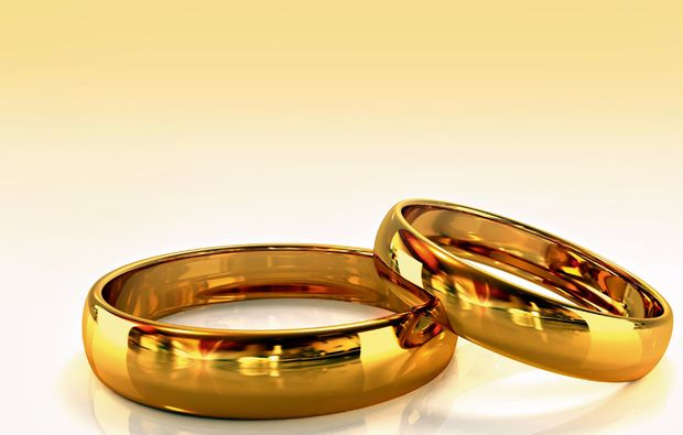 trauringe-selber-schmieden-fuer-zwei-berlin-ringe-gold