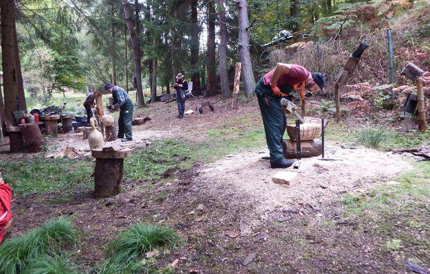 moderner-bildhauer-workshop-wimmenau-handwerk