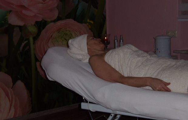 wellness-fuer-frauen-waldmuenchen-massage
