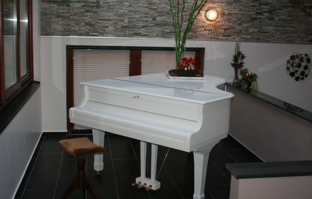 wellnesshotels-bad-salzschlirf-klavier