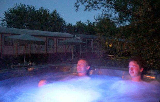 familienurlaub-schmilau-pool